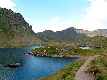 Balades diaporama sur la balade du tour des lacs d 39 ayous for Piscine du lac tours tarif